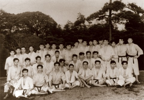 1953 Waseda University Special Training (Mr. Ohshima in center next to Senior Kamata-Watanabe)